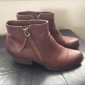 Nine West brown leather booties 8 1/2